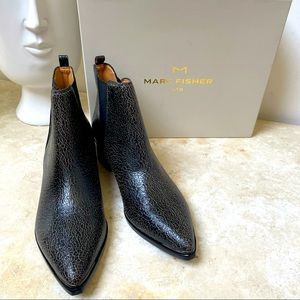 Marc Fisher size9.5 NIB crackle black leather boot